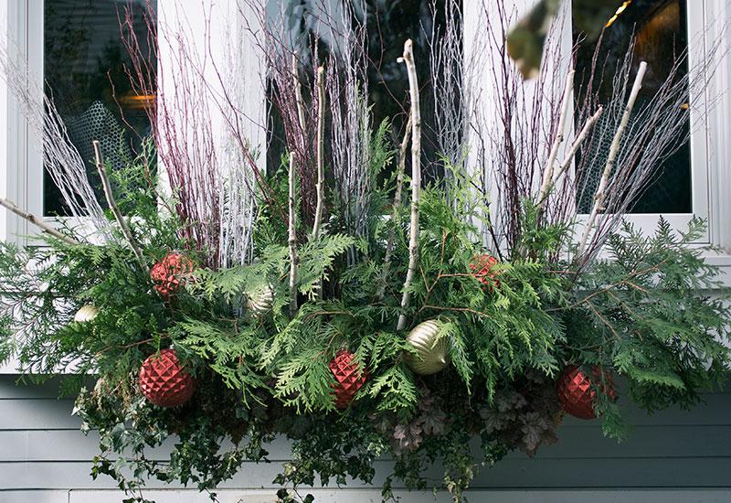 Holiday Planter Decoration