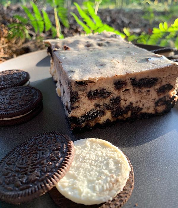 Heinen's Oreo Cheesecake