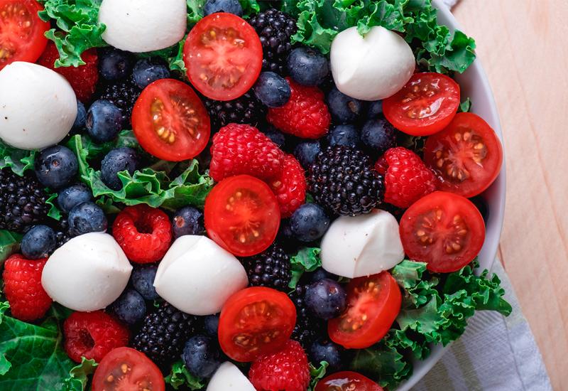 Cherry tomato and berry salad