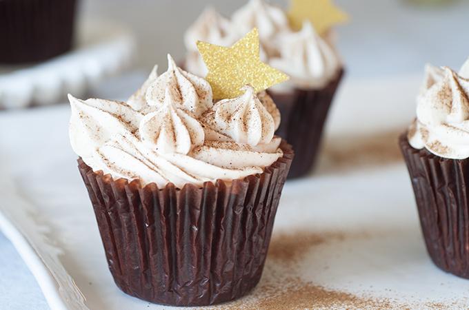Gingerbread Cupcake Close-Up