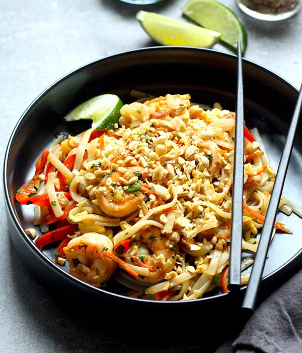 Shrimp Pad Thai in Bowl
