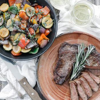 Pan seared steak with veggies