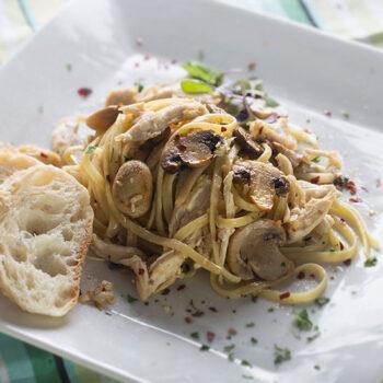 Chicken linguini with mushrooms