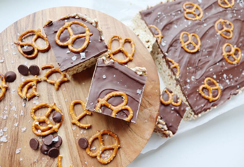 Dark chocolate pretzel smores bar