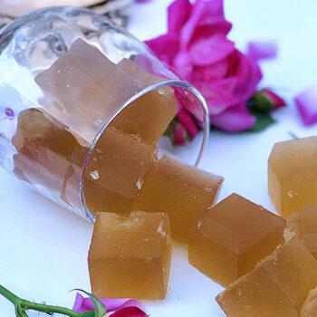 Rose gummies in glass
