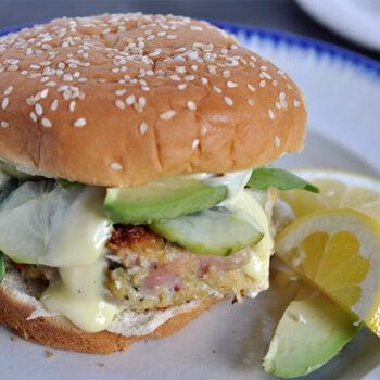 Tuna burger with wasabi mayo