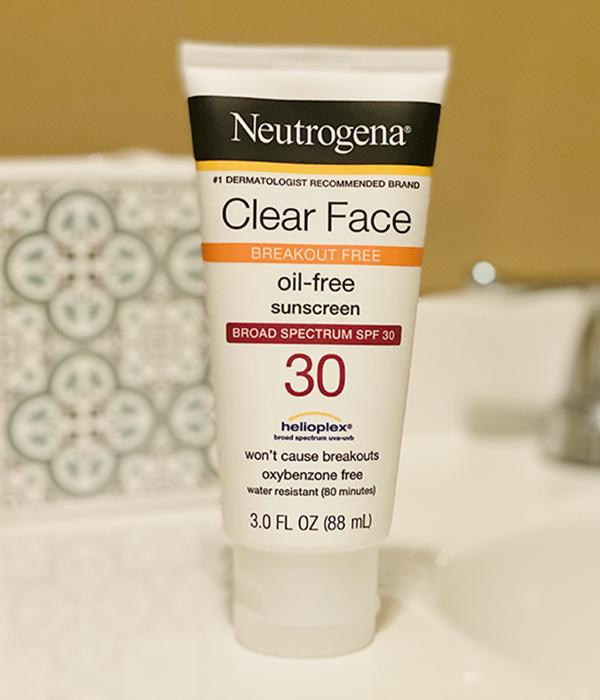 Neutrogena Clear Face Oil Free Sunscreen