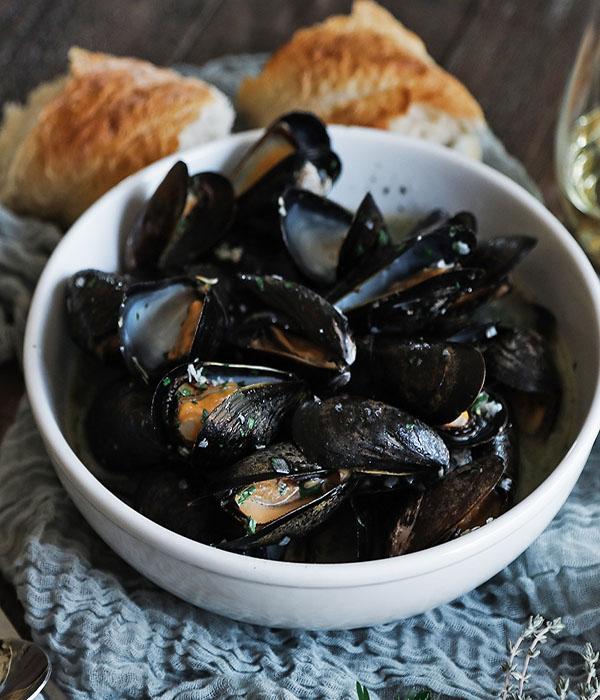Garlic Braised Mussels