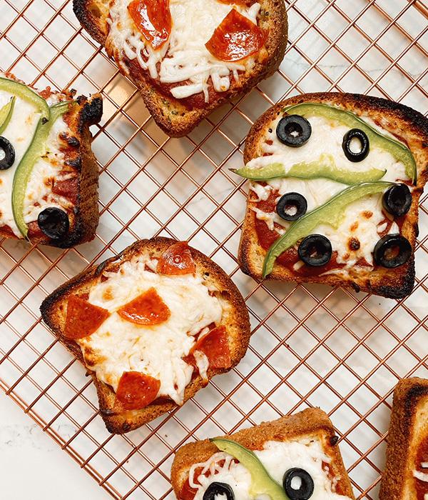 Gluten Free Texas Toast Pizza